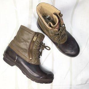 Hunter Corwin Brown,  Rubber Duck Boots